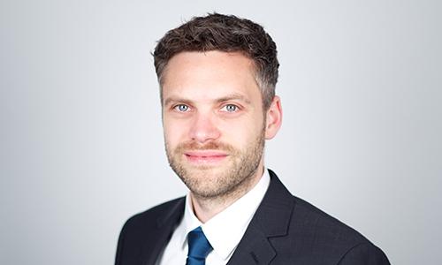 Portrait von Prof. Dr. Tobias Brückmann