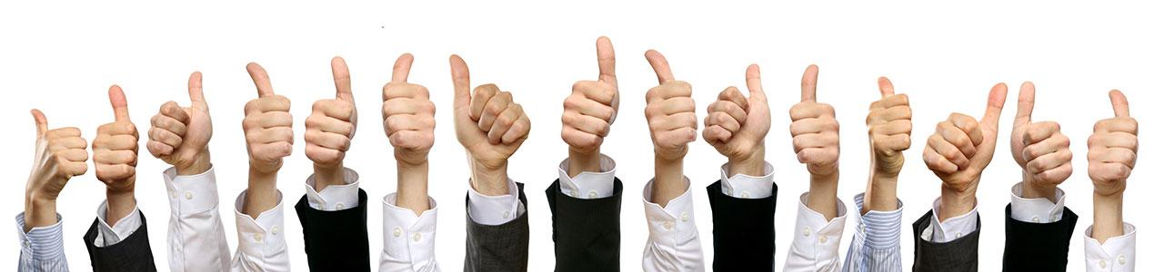 fünfzehn Thumbs up in einer Reihe