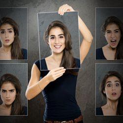 Verschiedene Porträts einer Frau mit verschiedenen Gesichtsausdrücken
