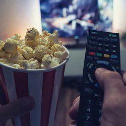 E-Learning: Popcorn, Fernseher und Fernbedienung